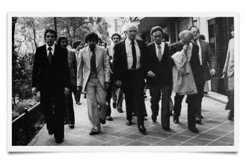 Diversos periodistas que salen del Excélsior
